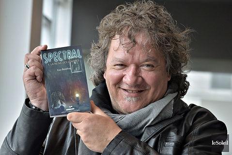 livre roman jeunesse Guy Boucher Spectral la reine des cendres Booshay