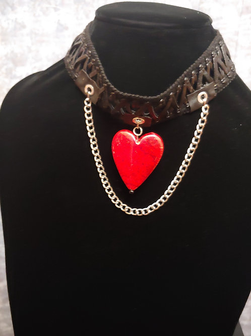 Leather heart chocked necklace