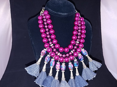 Queen Jeans statement necklace set