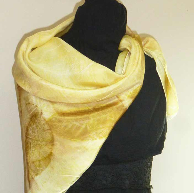 Carré soie jaune