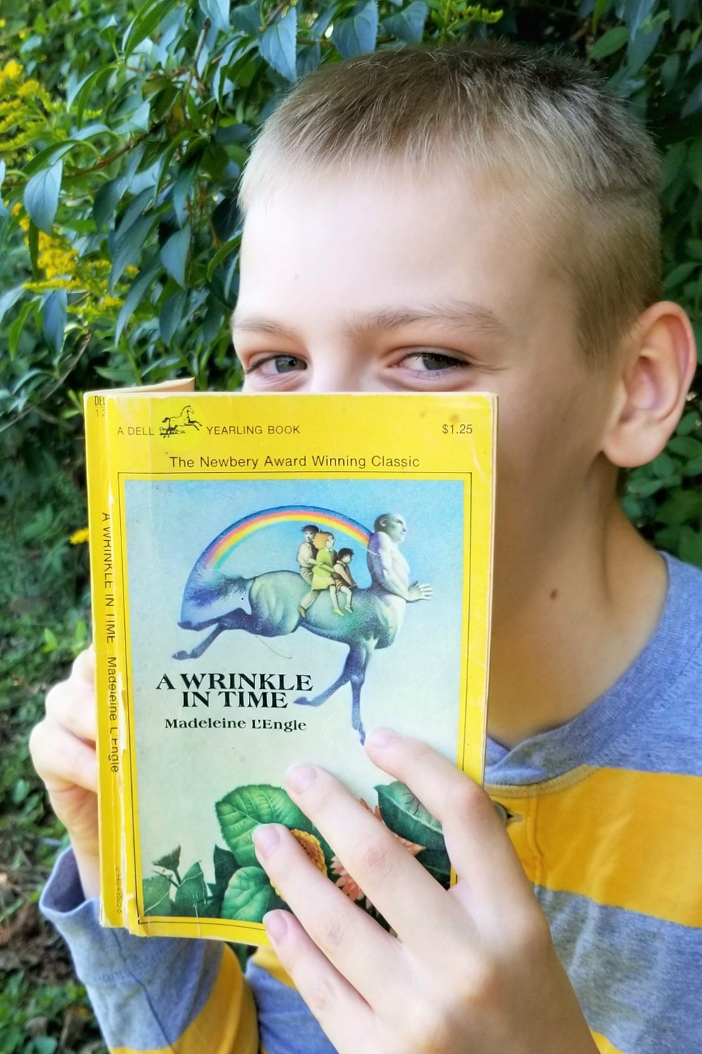 wrinkle in time summary, wrinkle in time cover art, kids book blog review