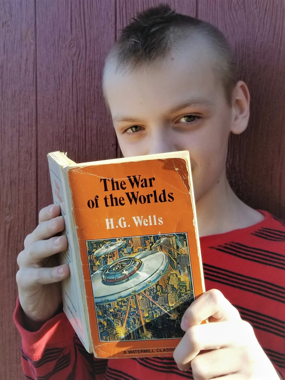 war of the worlds cover art, war of the worlds book review and summary, middle school reading list