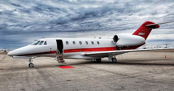 private jet.jpg