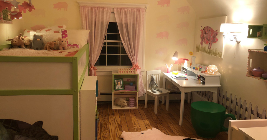 Piggy Tea Time Bedroom!