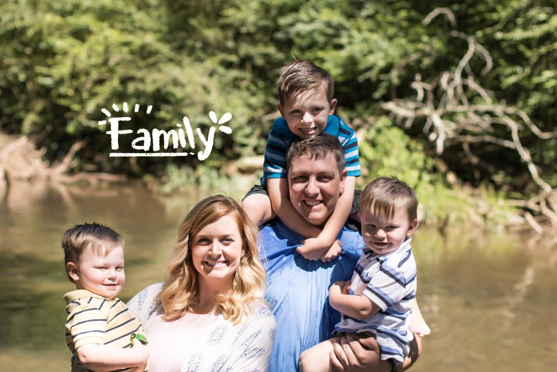 family portraits, family photos, family pictures, family photographer, huntsville, madison, decatur, jones valley, near me, pixeljoes