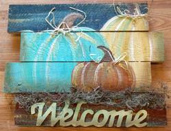 Welcome Pumpkin Trio Pallet