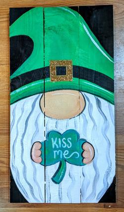 Kiss Me Gnome