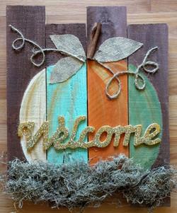 Welcome Pumpkin Pallet