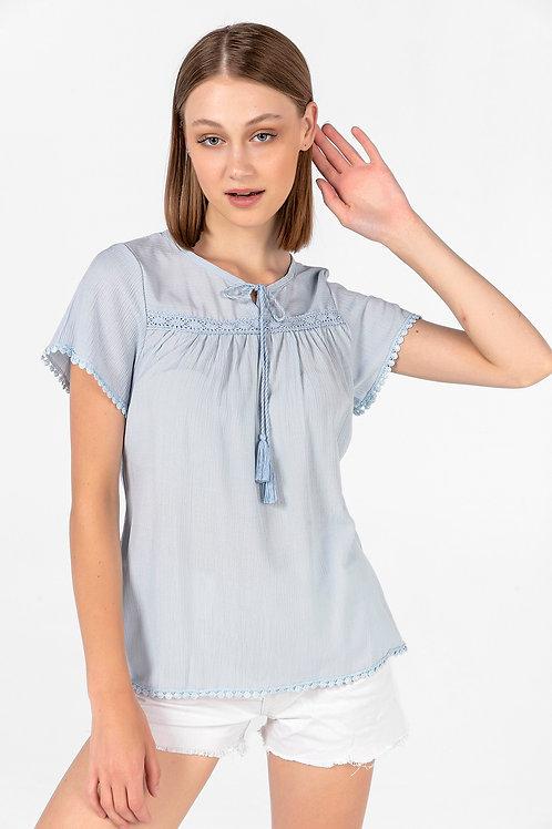 Kadın Mavi Önü Bağlamalı Dantel Detaylı Bluz