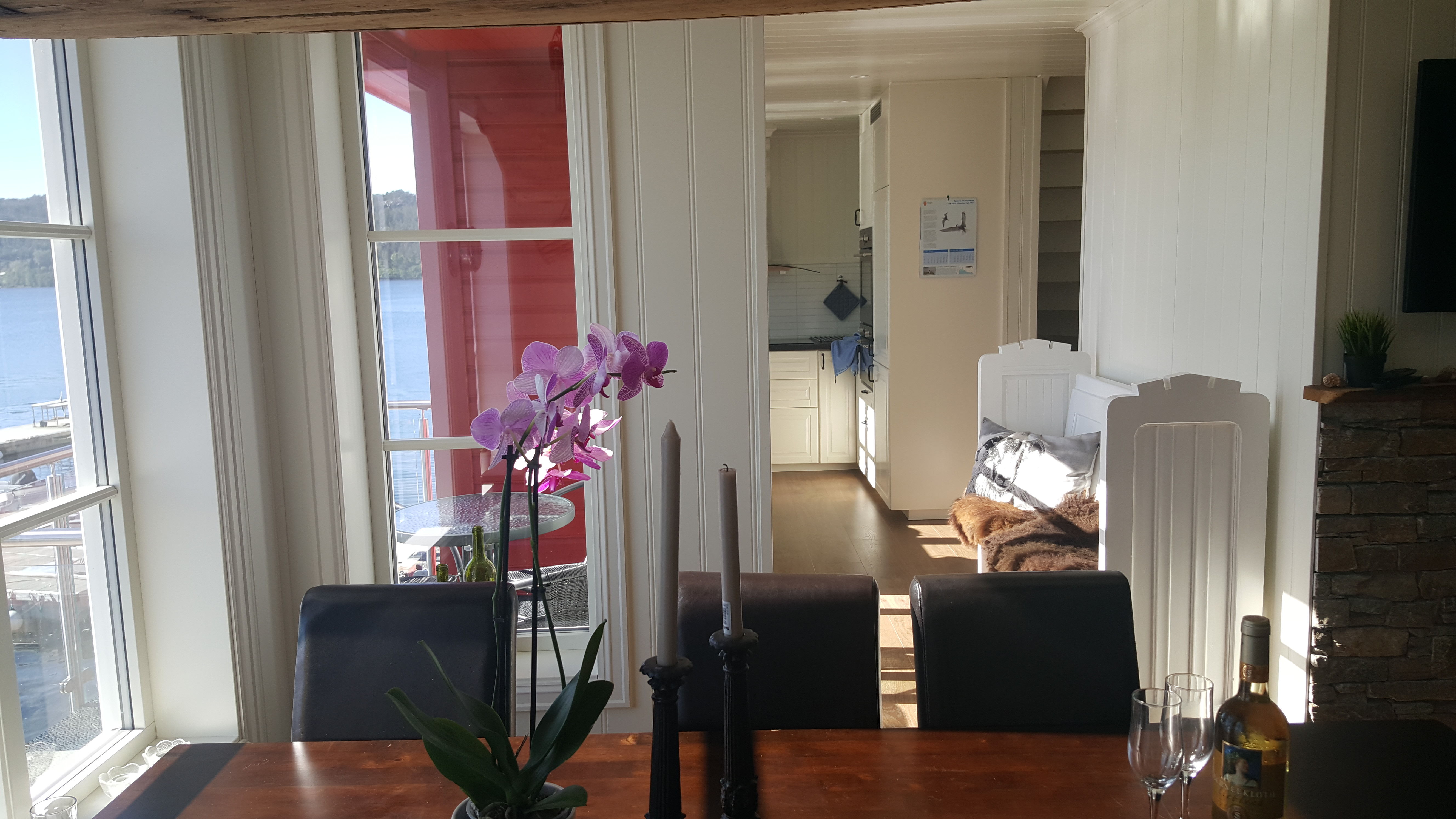 Rorbu 4 - red - Livingroom