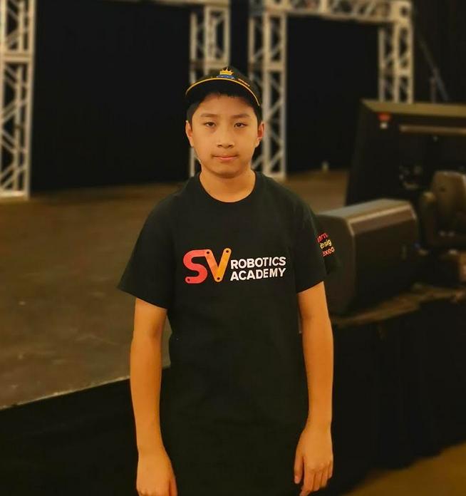 Daniel Zhou at SV Robotics