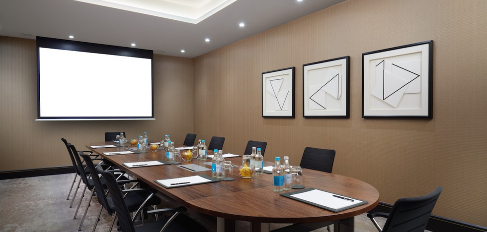 Thames (Boardroom with screen).jpg