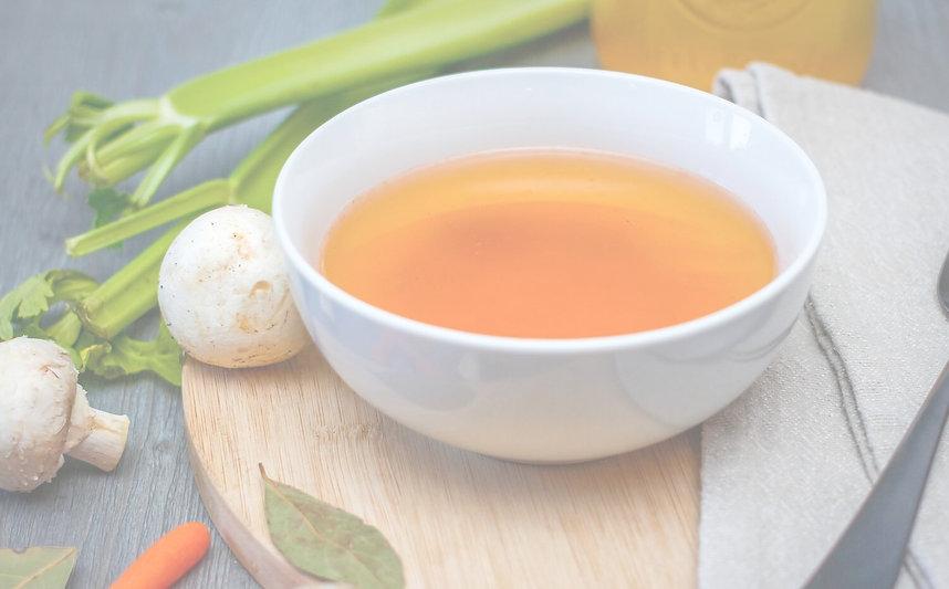 Bouillon artisanal pour un repas equilibré. Sobie, Bouillon Maison revisité. Découvrez nos bouillons détox à boire, nos bouillons rapide ou nos recette de bouillons à boire. Sobie le bouillon artisanal maison !