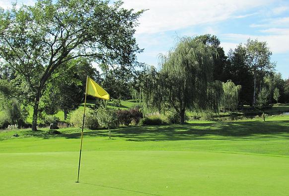 Club de golf Les Cèdres Granby.jpg