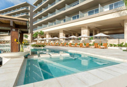 Tamarindo Wyndham Pool and loungers