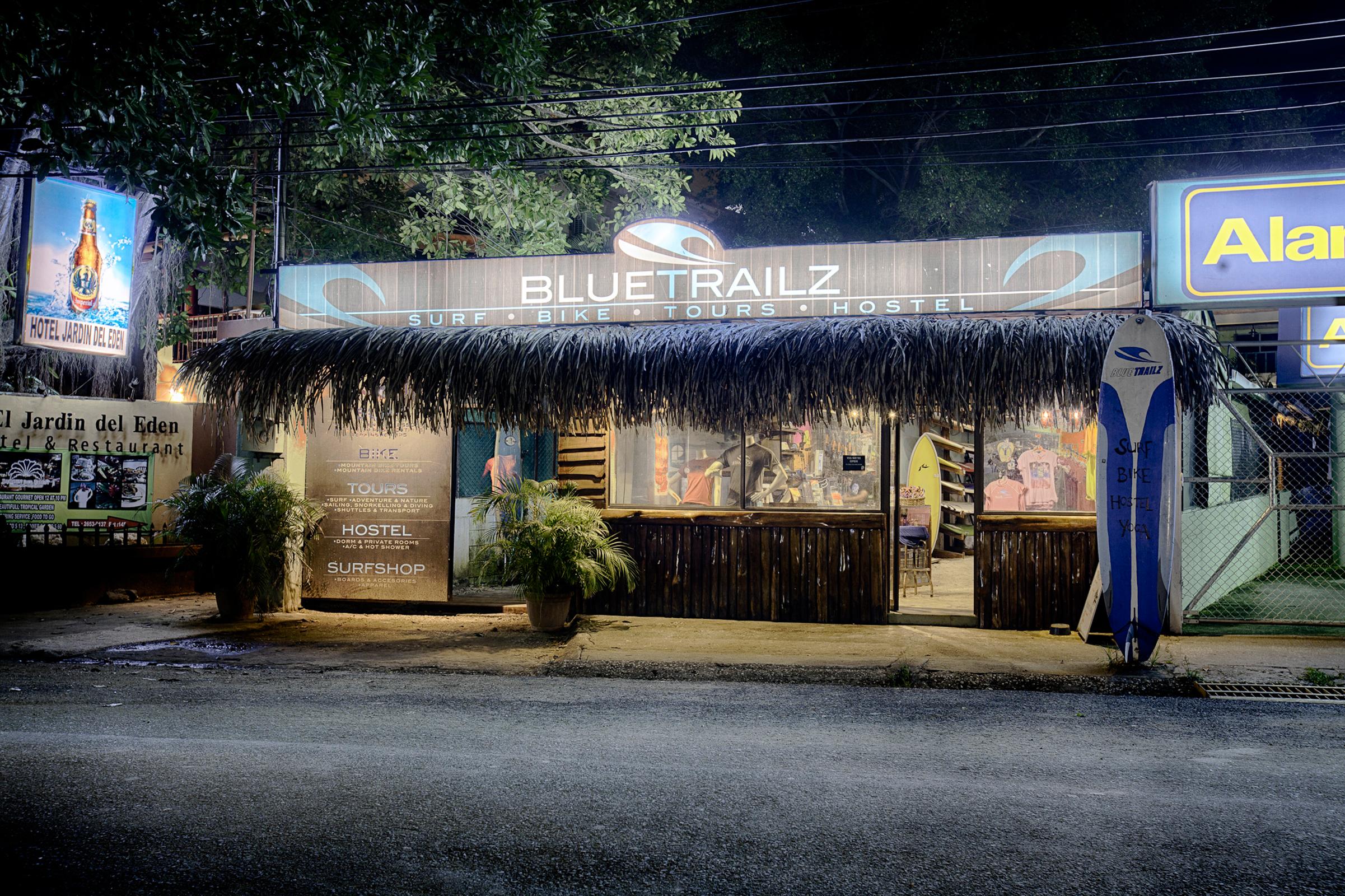 Blue Trailz Tamarindo Hostel Front