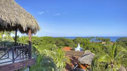 Blue-Trailz-Tamarindo-Surf-Vacation-Jardin-del-Eden-Grounds-6