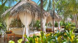 Blue-Trailz-Tamarindo-Surf-Vacation-Jardin-del-Eden-Grounds-1