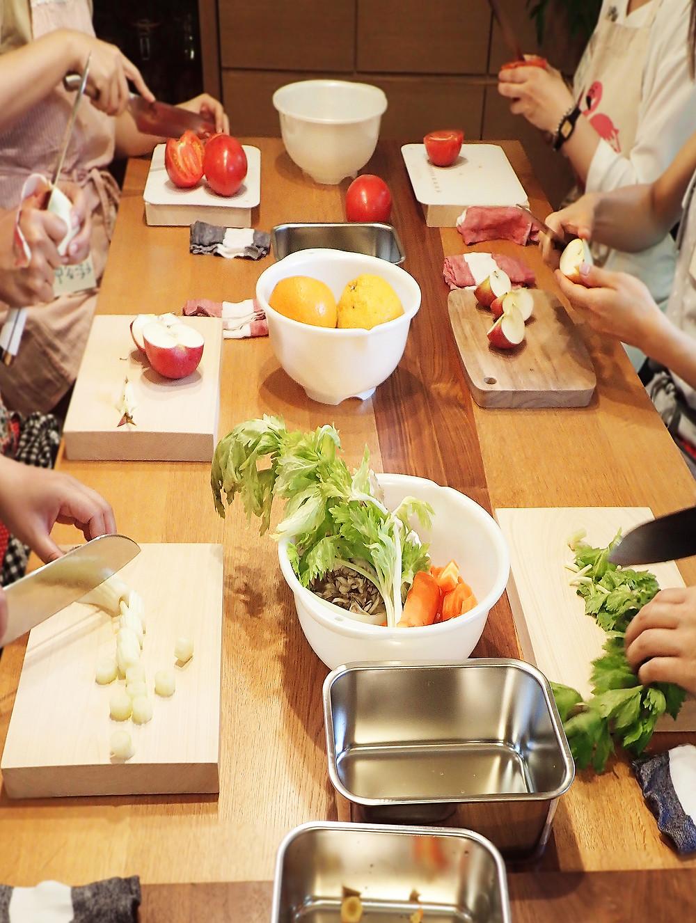 #モリ乃ネ #morinone #くらしデザイン #料理教室 #ワークショップ #保存食 #自家製 #食べる #五感 #くらし #びんdeKitchen #ガラスびん #びん詰め #中濃ソース #副産物 #カレーペースト #スパイス
