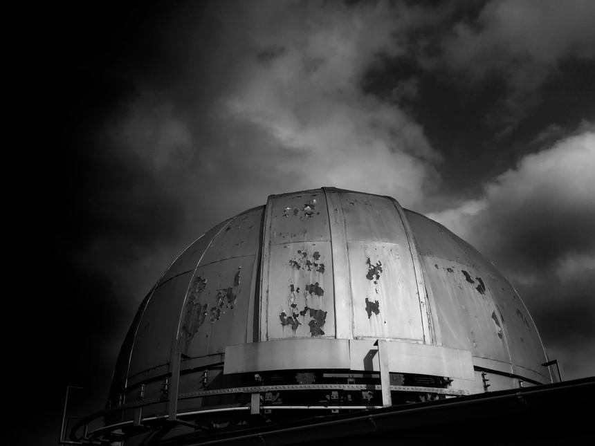 Observatorium_Diplom_außen_sw.jpg