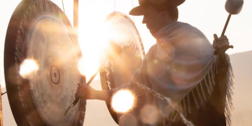 Schamanische Klangreise mit Gongs, Trommel und Digeridoo