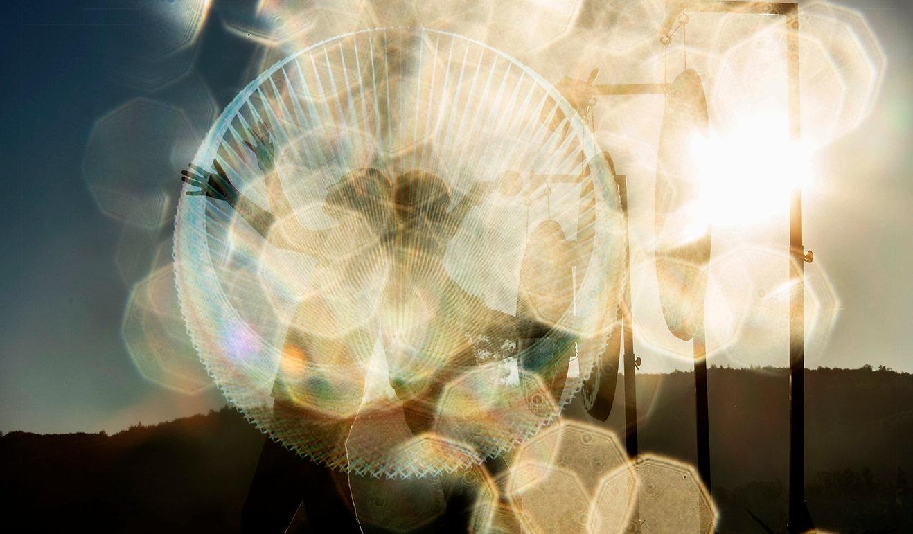breath&Gong+logo2_bild2_text_rechts.jpg