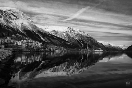 Hardangerfjorden, Odda