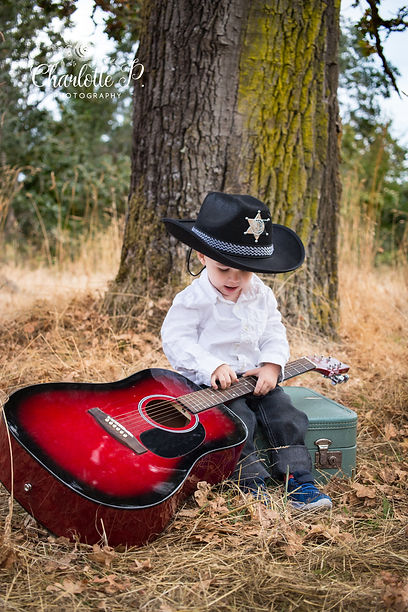 creative kids mini session with guitar
