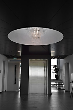 NEONIS-LIGHTING Glacier Hall Grand Chandelier
