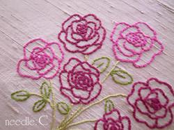 ライン刺繍の薔薇のブーケ