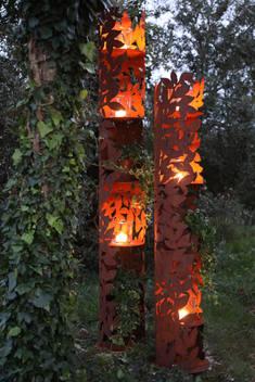 Komorebi Säulen mit Kerzenlicht
