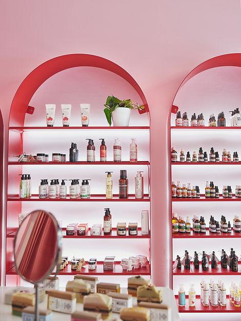 Arek Burcon / JEJU Beauty Store Warsaw / 2020