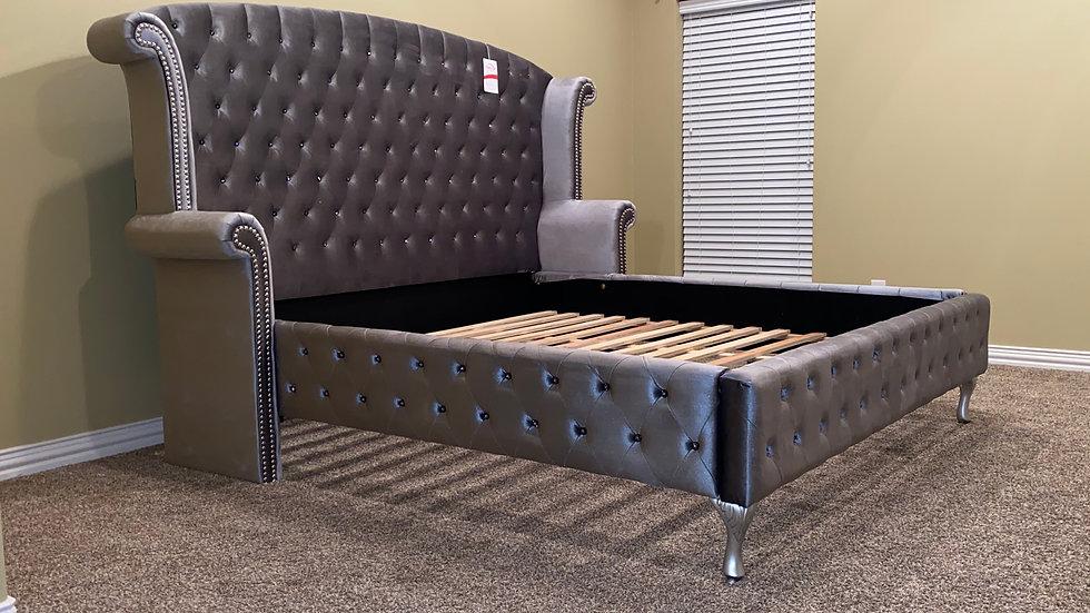 Royal velvet platform 4PC bedroom set-delivery included