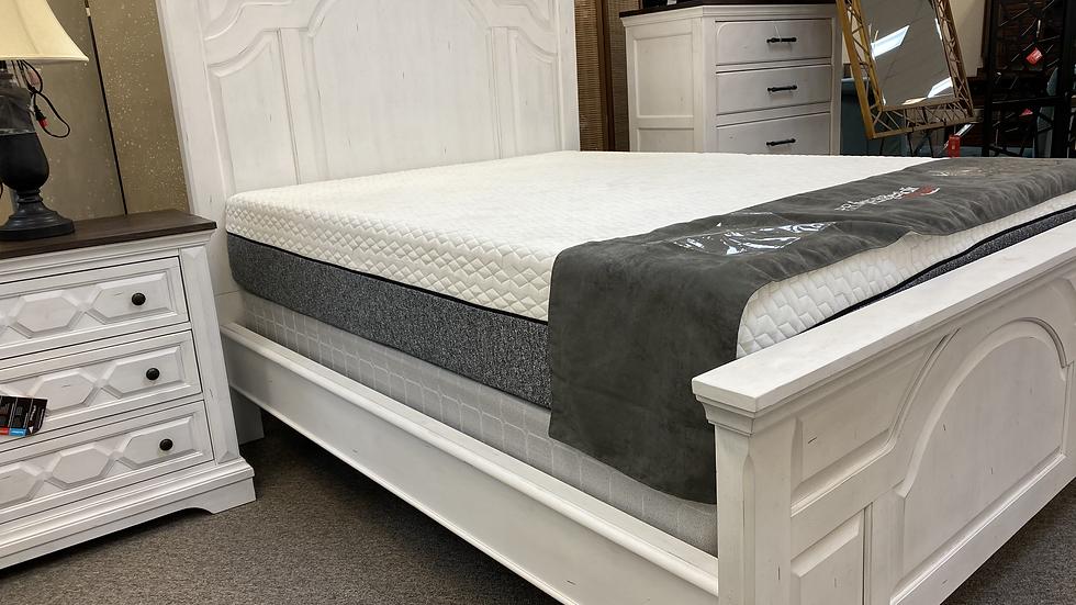 Celeste Panel Bedroom Set - Vintage White
