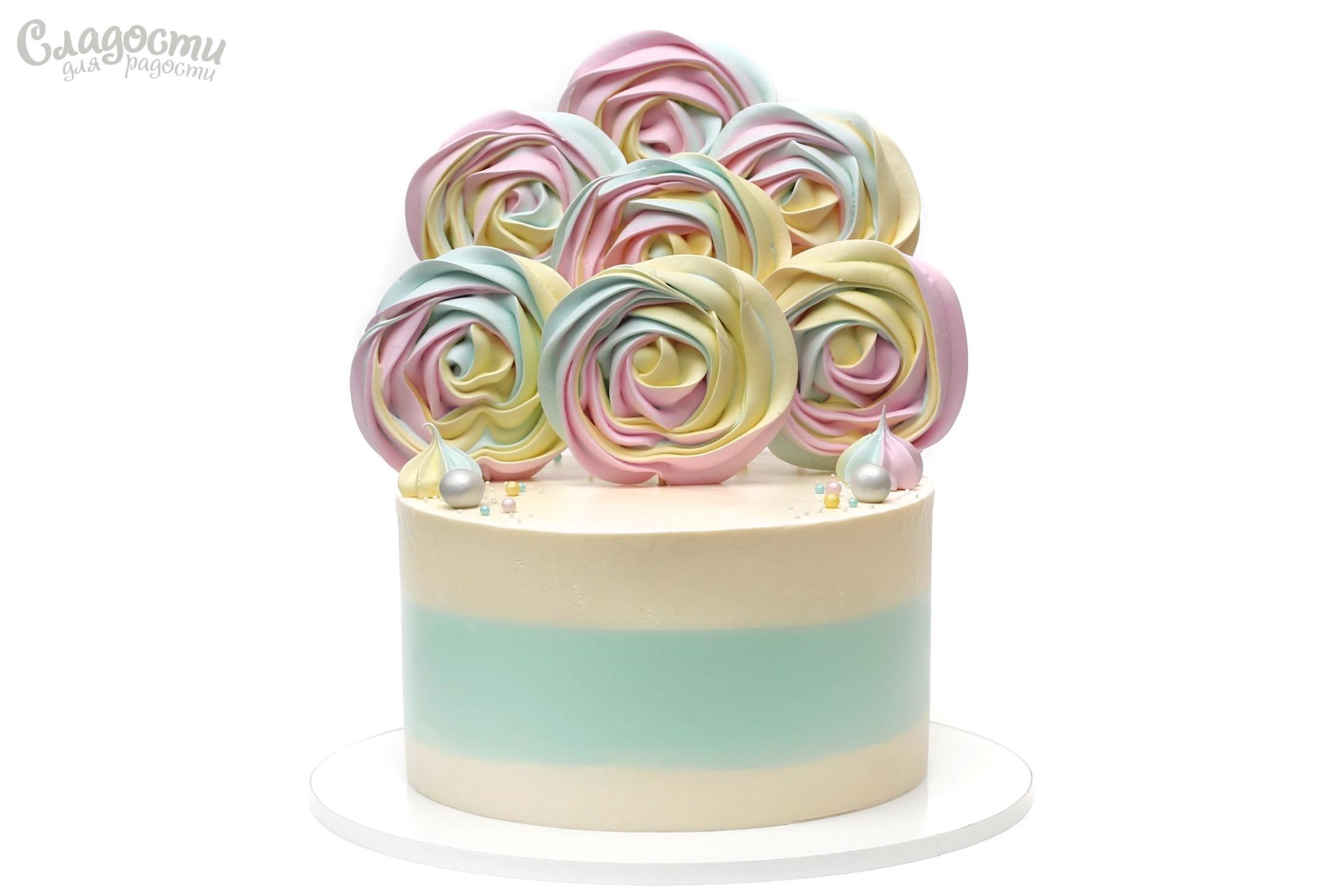Торт с радужным безе