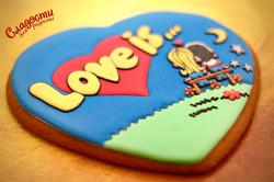 "Пряничная открытка ""LOVE IS..."""