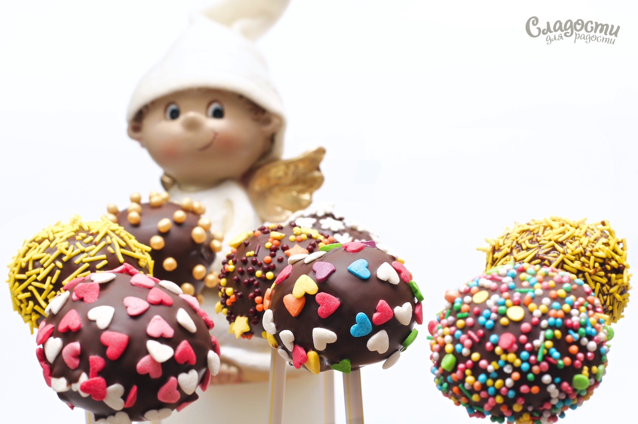 Кейк-попсы в чёрном шоколаде