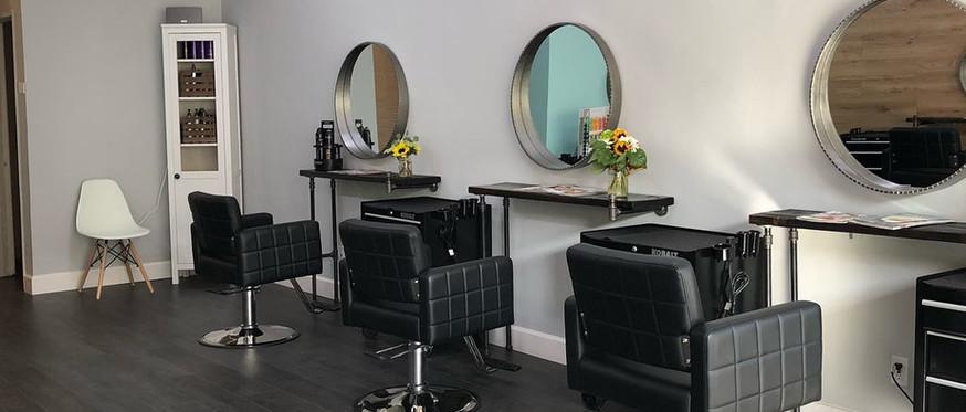 salon chairs rigth side.jpg