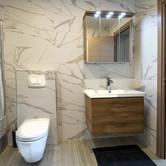 Bathroom1 (1).jpg