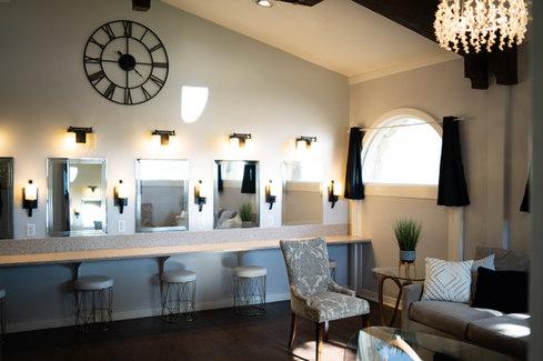 Llano_Bridal Suite-05.jpg