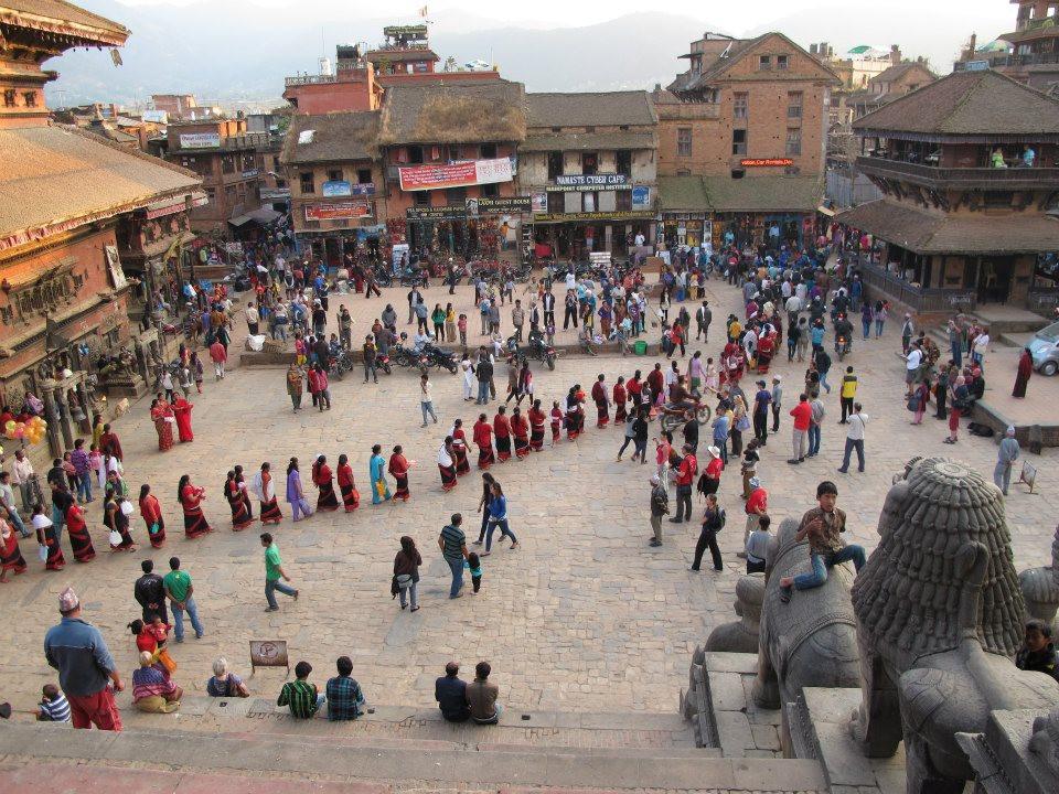 Eine farbenfrohe Dashain-Prozession in der ehemaligen Königsstadt Bhaktapur