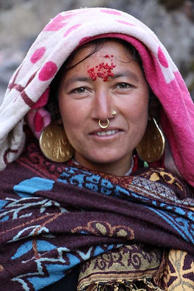 Shangrilaya Aktivreisen_Humla Frau mit G