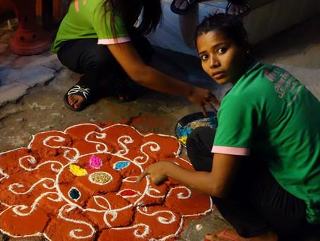 Kathmandu hell erleuchtet zum Lichterfest Tihar