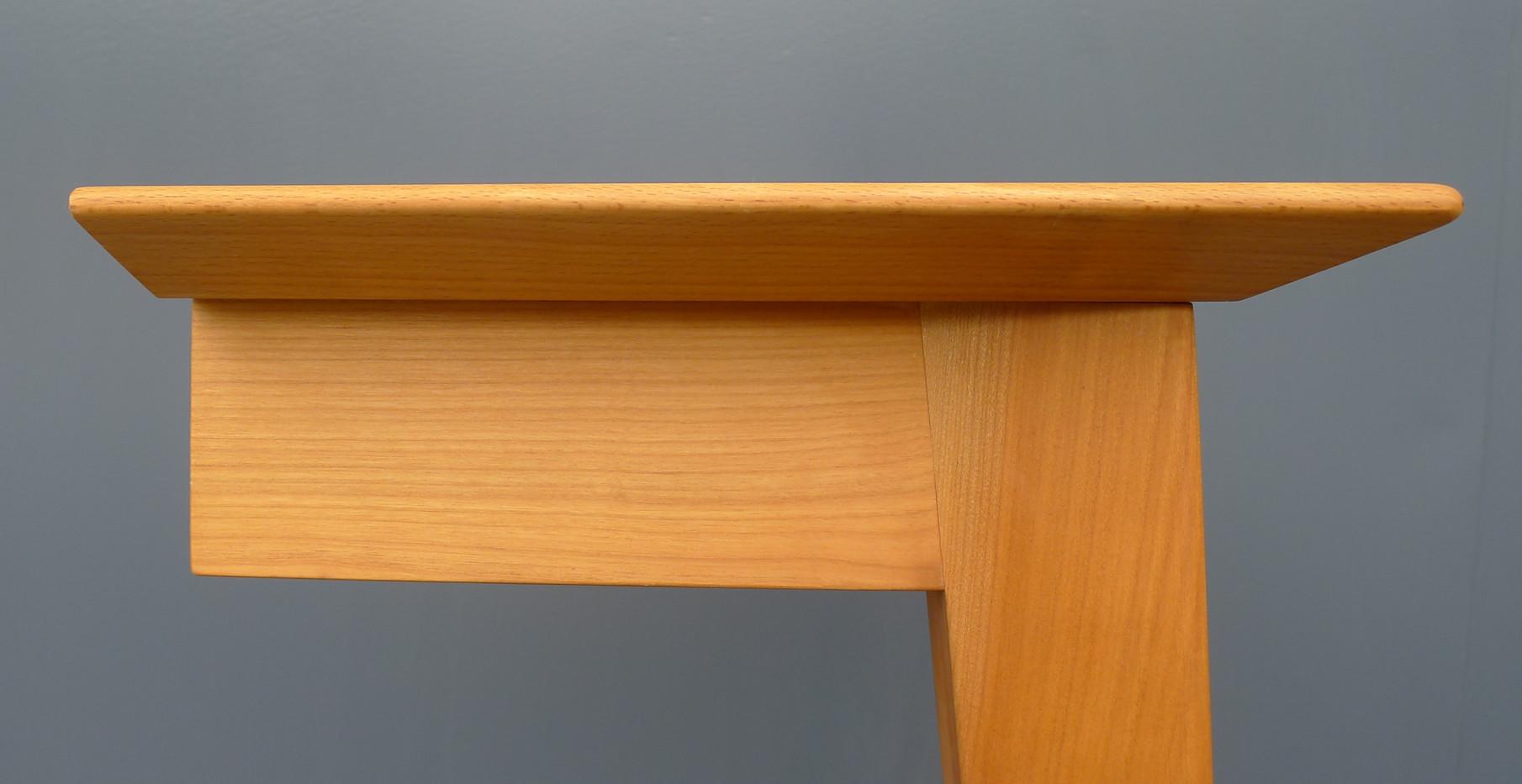 Tisch_Classic_light_Detail_1