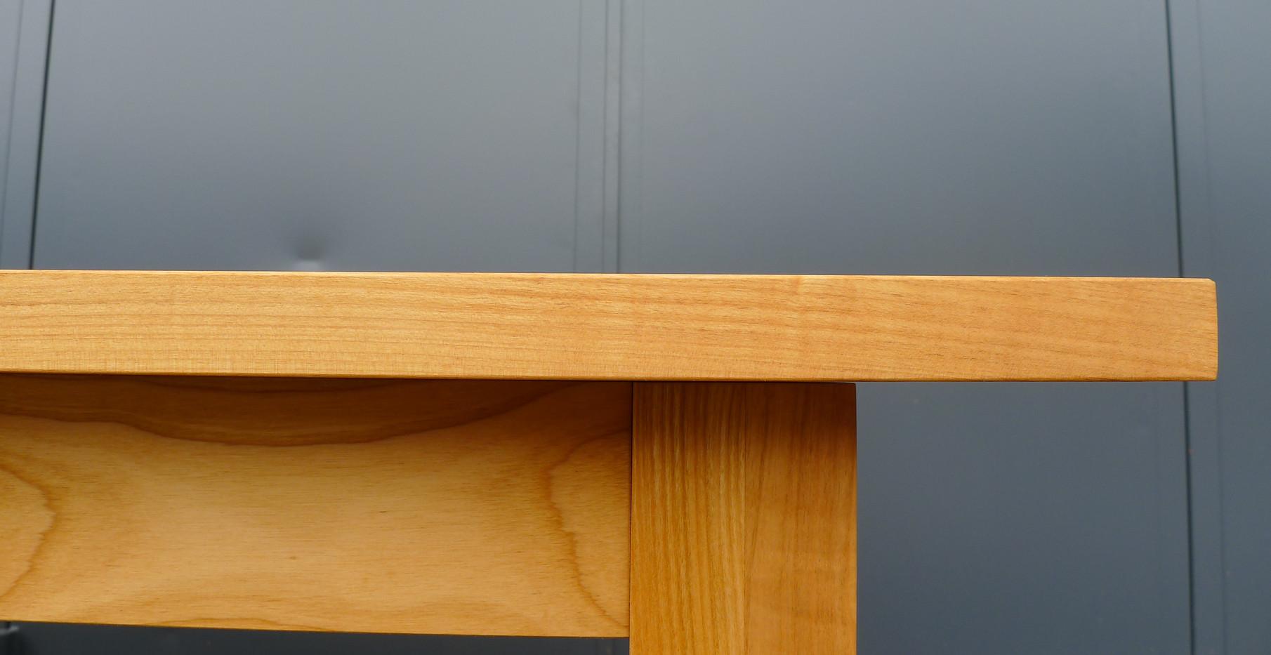 Tisch_Classic_Detail_1