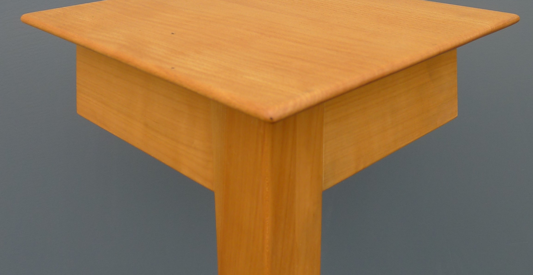 Tisch_Classic_light_Detail_2