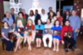 group orgullos hispanos_edited_edited_edited.jpg