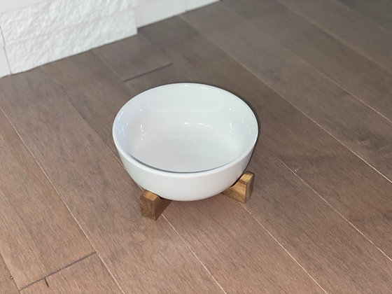 small serving bowl with trivet