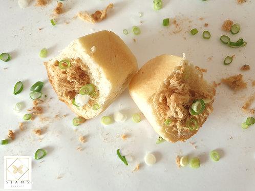 Pork Floss with Spring Onion Bun / ปังหมูหยองต้นหอมซอย