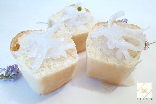 ปังรวมมิตรมะพร้าวและลูกชิดเชื่อม - Coconut and Palm seed in syrup Bun